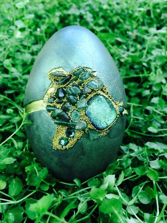 Green goose egg set with Aventurine by CrystalheartCreation, $85.00