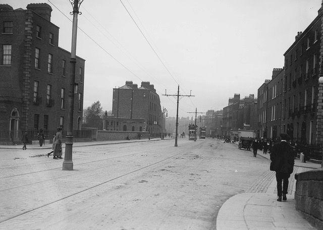 Baggot Street, Dublin, c1910 (National Library of Ireland)