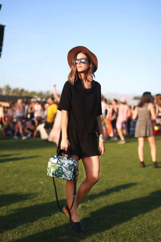 Black #romper, white bag, brown hat. #Summer women fashion @roressclothes closet ideas