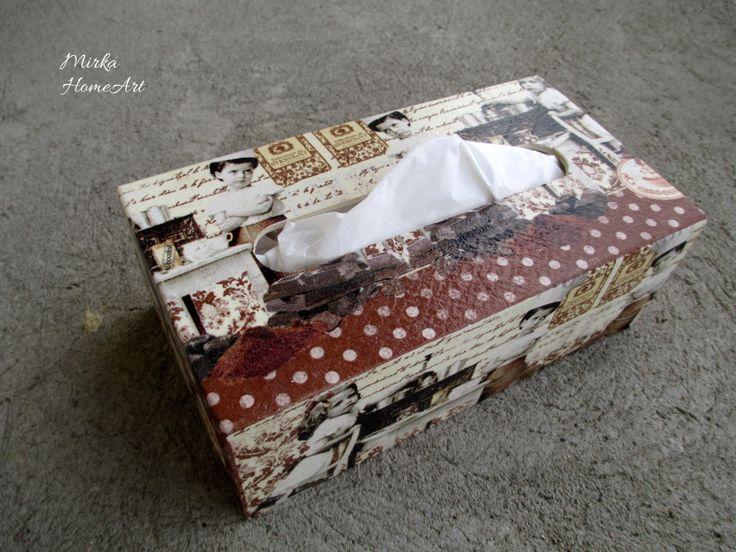 Drevená krabička na servítky (150 ks), motív Chocolat, vyrobená dekupážou.