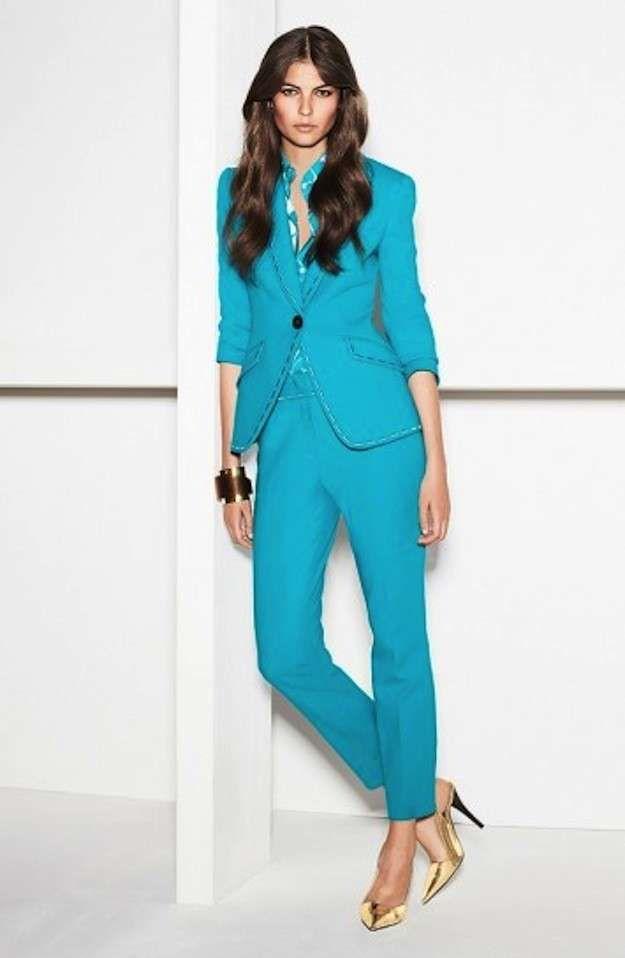 61ad2bd08c39c Trajes de fiesta de pantalón para mujer  fotos de los modelos - Traje  turquesa