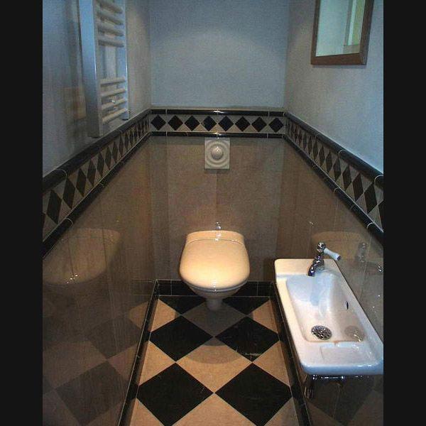 Klassiek toilet met hoogglans marmer tot betegeld wc pinterest toilets portal and search - Deco toilet ideeen ...