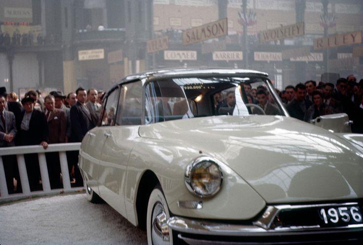 Le salon de l'auto de Paris 1955