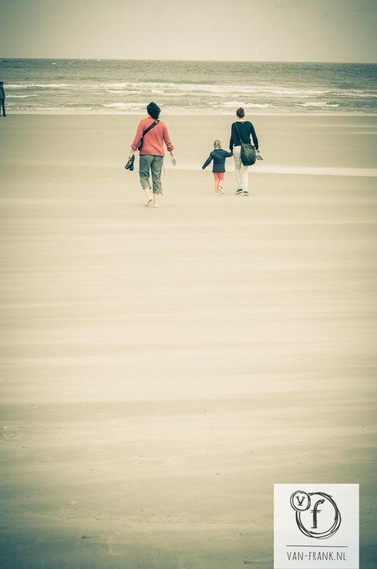 Jeannette, Jenna & Mila strolling on the beach.