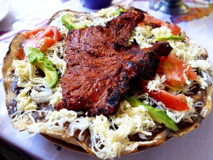 comida de oaxaca tlayudas
