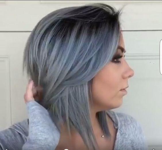 Eine coole, lässige und trendy Frisur für kurze oder mittellange Haare? Mach mal etwas Verrücktes und wähle Dunkelgrau! - Neue Frisur