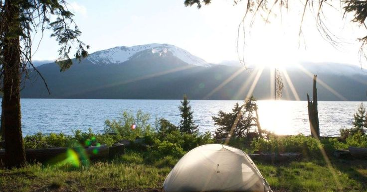 Diamond Lake Campground in Umpqua, Oregon | Party at Diamond Lake! One of the most popular summer camping destinations in the area, there are 145 reservable sites and 95...