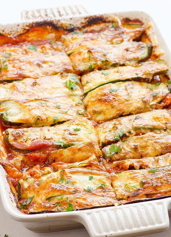 Chicken Zucchini Enchilada Casserole Recipe -- Layers of cooked chicken thighs or breasts with zucchini and homemade enchilada sauce. Healthy. #cleaneating #glutenfree
