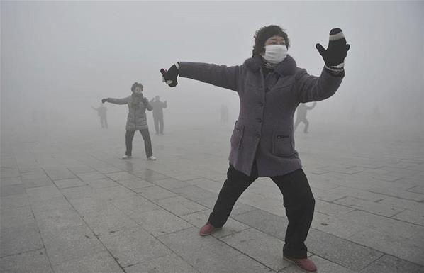 China is one of the world's superpower but like all other countries, is beset by a major problem, that of pollution. Take a sneak peek into images that seemingly define the acute pollution that China suffers from - Pollution in China: Pics