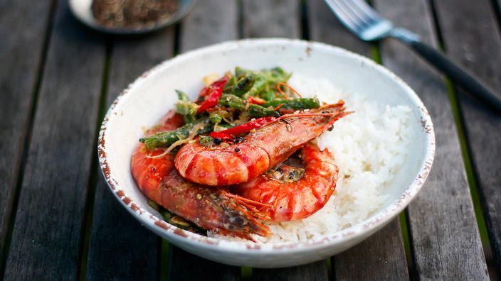 """Matthew Evans' seafood advice? """"Choose wild Australian caught prawns that come from certified fisheries."""" Try his stir-fried #prawns with black pepper and cardamom to see where it's at."""