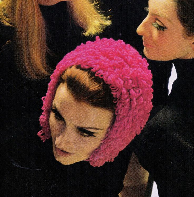 VINTAGE 60'S WOMEN'S RETRO HOOP PINK WINTER HAT TIE UP  8 PLY KNITTING PATTERN