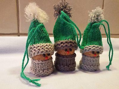 NEU 3 bestrickte Korken Wichtel Weihnachten Advent in grün-grau-hellgrau 2