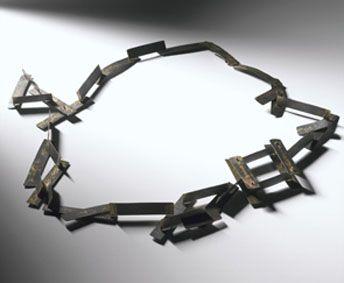 testo mostra Maria Rosa Franzin Italian Jewellery a Edimburgo