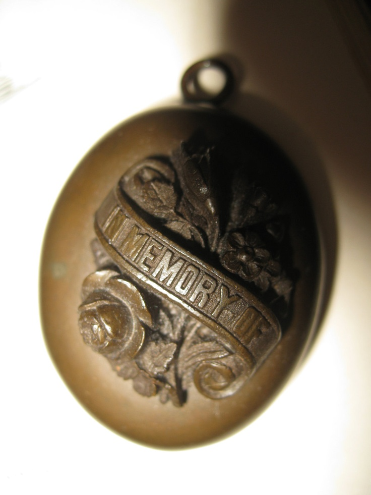 VICTORIAN Mourning Locket - Vulcanite.