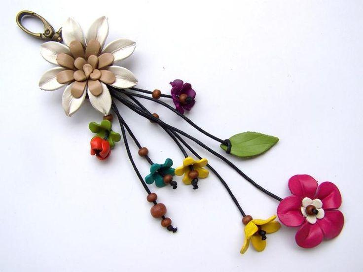 Colgantes - Joyería, flores, cuero, cuero colgante de flores - hecho a mano por Siamrose en DaWanda