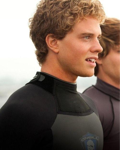 Chasing Mavericks: jonny weston / Actors, Movies, Surfing Movie