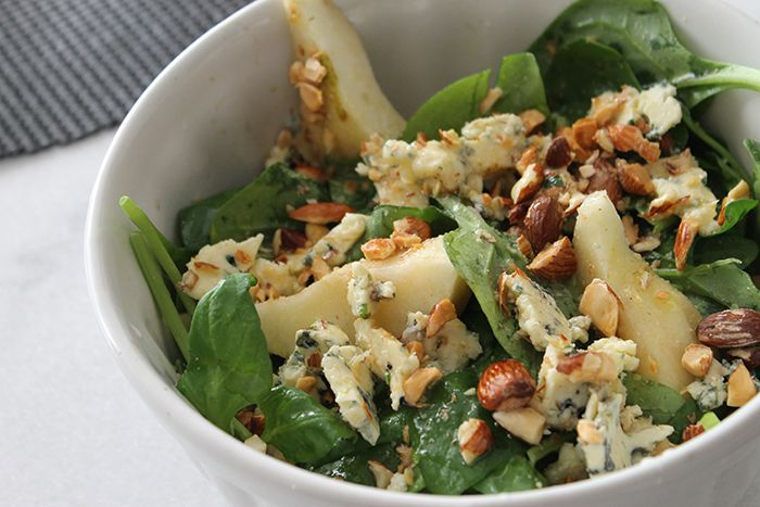 massa com cogumelos,molho de funghi,salada de espinafre com pera,receita jamie oliver,Penne com cogumelos e salada de espinafre do Jamie Oliver
