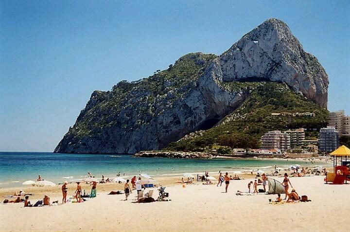 Calpe (Alicante)  Beautiful    playa(  beach  ** 20 km van Alfaz del Pi leuke rit pal naast Middelandsezee,heerlijk strand,ook het oude centrum is bezoek waard.