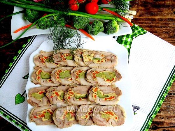 Рецепт рулета из куриных окорочков брокколи и моркови