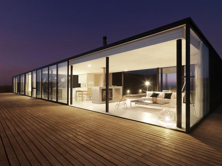 House/Casa W / 01Arq Ubicación: Huentelauquen / IV Región – Chile Arquitectos: C.Winckler, P.Saric, F.Fritz Año Proyecto: 2007 Área Proyecto: 130.0 m2