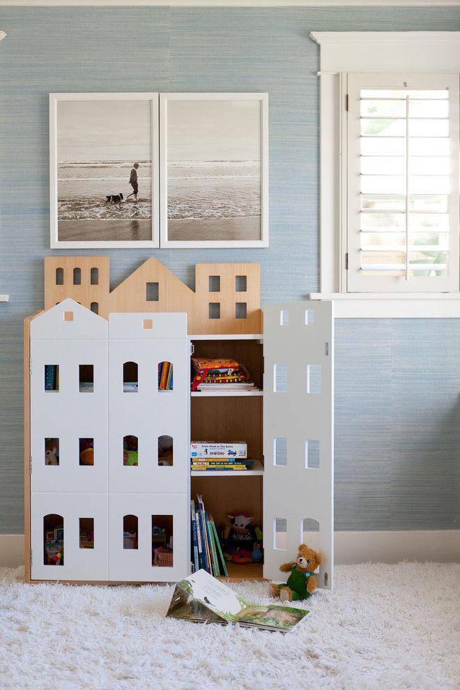 Детский игровой домик в детской комнате