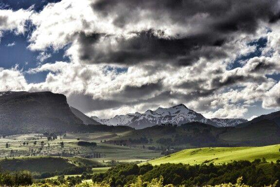 Esas nubes furiosas y montañas imponentes, solo se contemplan en esta región.