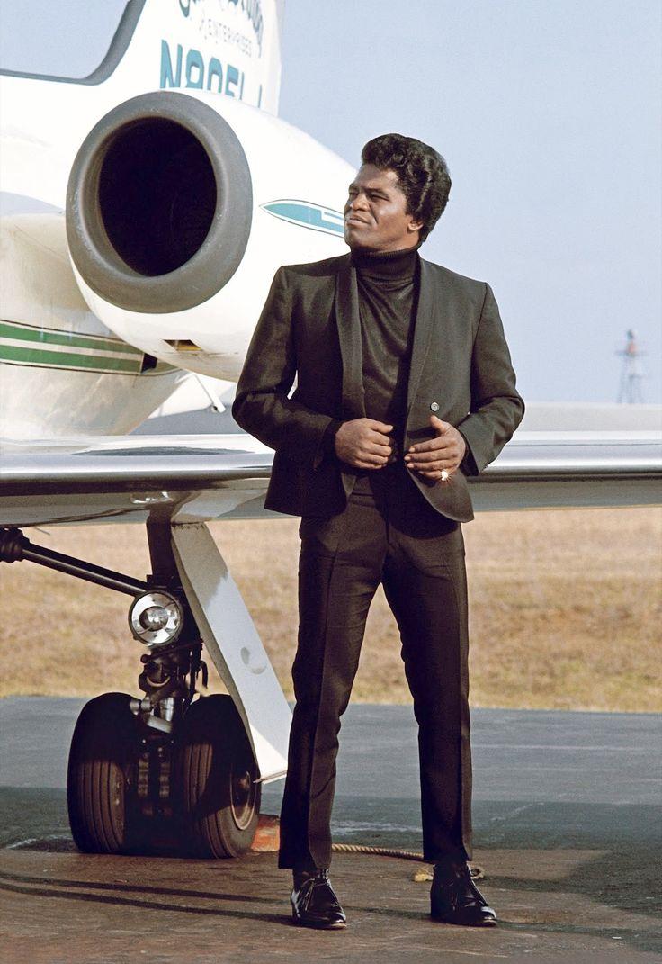 James Brown with privé Jet Long Island Airport, US © Jean-Marie Périer  1967