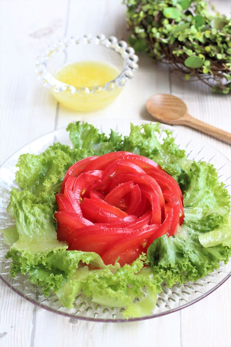 【もう「飽きた」とは言わせない!】トマト&レタスのおいしいサラダアイディア | レシピサイト「Nadia | ナディア」プロの料理を無料で検索