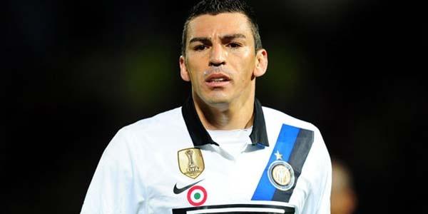 Juventus Resmi Datangkan Lucio - Lucio telah resmi didatankan Juventus dari Inter Milan Setelah memutuskan kontraknya dengan Inter Milan, Lucio akhirnya tiba ke salah satu klub rivalnya di Serie A, Juventus. Ia menandatangani kontrak selama dua musim, yang akan berakhir pada 30 Juni 2014, dengan nilai kontrak sebesar 5,2 juta Euro untuk... - http://blog.indobola.net/juventus-resmi-datangkan-lucio/