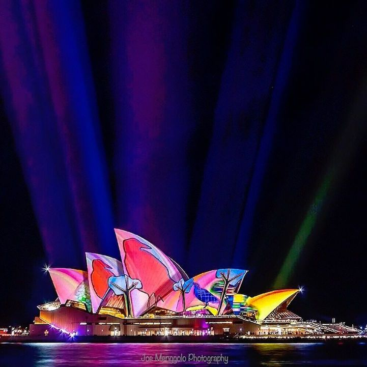 """Vivid Sydney"" Cloaks the Australian City in a Spectacular Display of Vibrant Lights - My Modern Met"