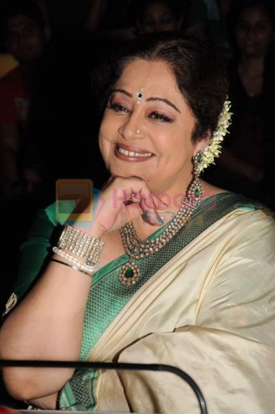 Kiron Kher charming elegance. Description by Pinner Mahua Roy Chowdhury