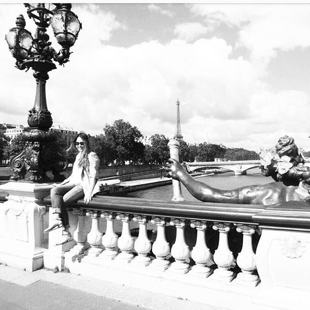 Postcard from Paris 💟  #paris #france #travel #naturalskincare #skincare #beauty #greenbeauty #organic #organicbeauty #bblogger #wellness #health #ecobeauty #luxury #travelblogger #makeup #kbeauty #koreanskincare #vegan #nontoxic #naturalbeauty #antiaging #fitness #organicskincare #organicbeauty #AntiagingDevice