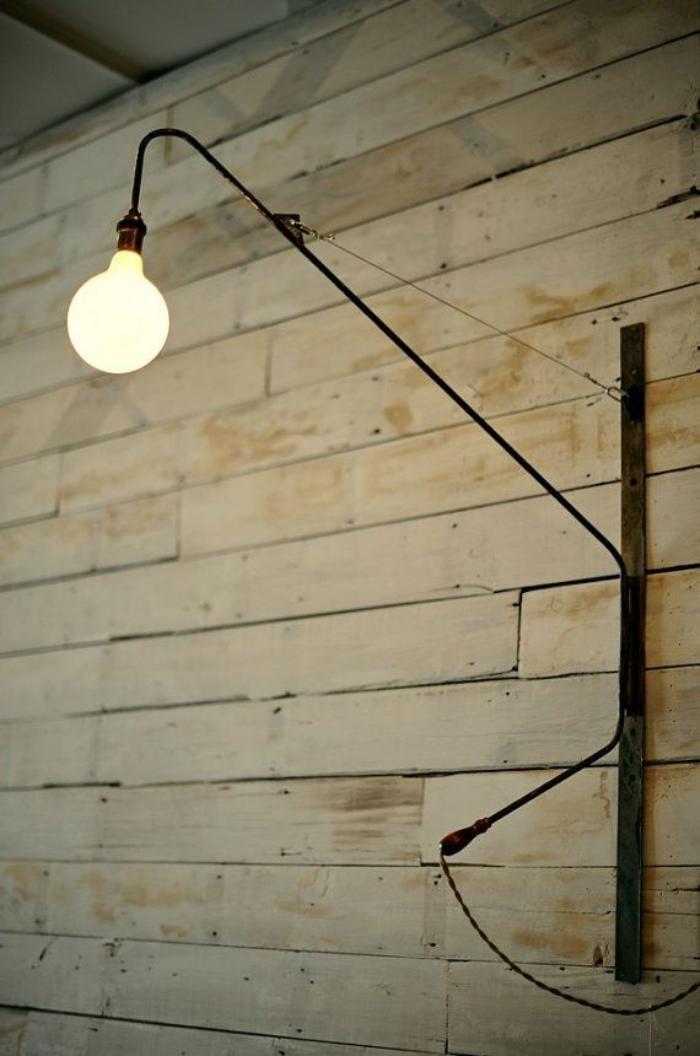 appliques extérieures, long bras noir avec une ampoule