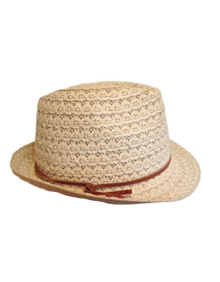 Sombrero blanco roto tira de cuero Zara 15.00€