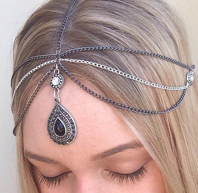 Handmade Silver and Gun Metal Venus Head Chain with crystal rhinestones