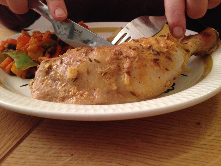 Enten du skal grille, steke eller ovnsbake kylling hever du smaksopplevelsen flere hakk med en god marinade. Denne marinaden får smilene på plass rundt middagsbordet!