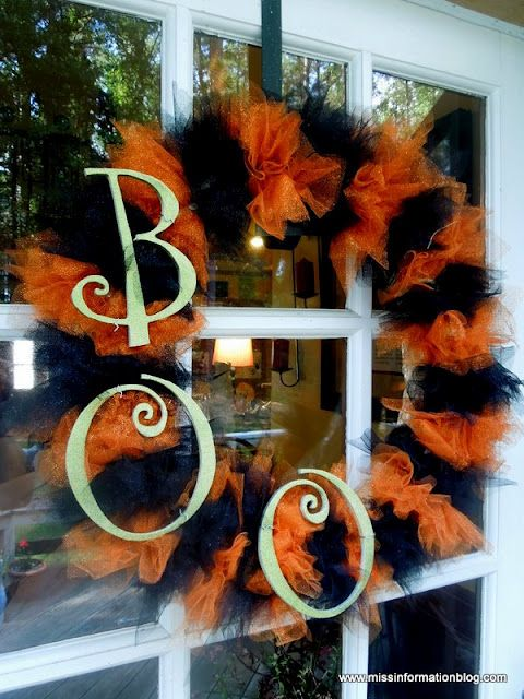 Halloween Wreath Take 2 with Krylon Glitter Blast - this is too cute!
