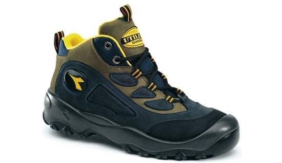 Chaussure de sécurité avec embout et semelle en acier - Code produit: 6260098 - Cliquez sur la photo pour voir la fiche produit