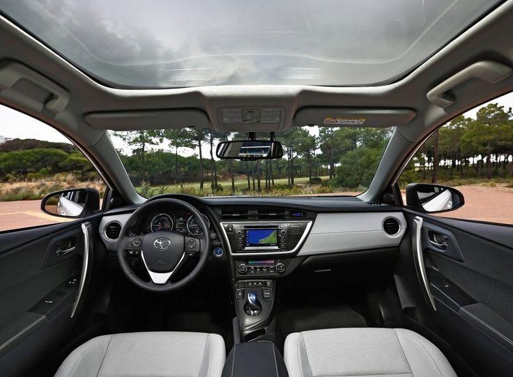 Toyota Auris Hybrid Interior