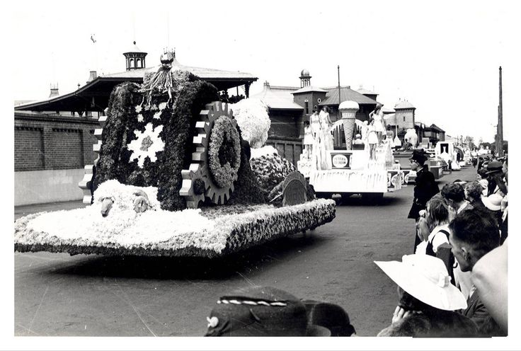 """Image 21806123 - The Merino Sheep Wool Industry float, which formed part of the """"Australia's March to Nationhood"""" parade on January 26th, 1938. This image was taken in Driver Avenue, Moore Park. [RAHS Australia Day 1938 - Sesquicentenary Celebrations Collection]"""