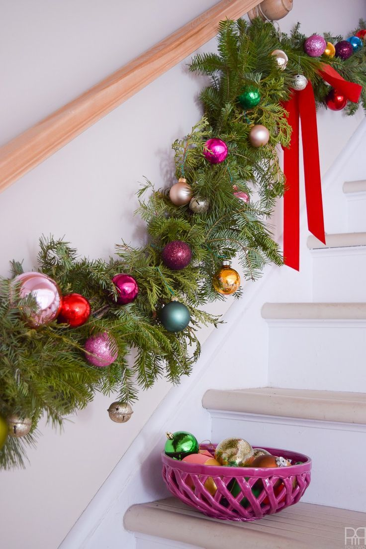 Shelfies are the best place for Christmas ornaments and nutcrackers, right? Come take a look at a Kate Spade inspired Christmas home tour