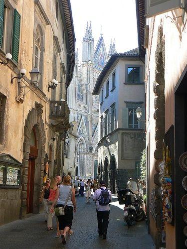 Orvieto, Italy – Via Del Duomo