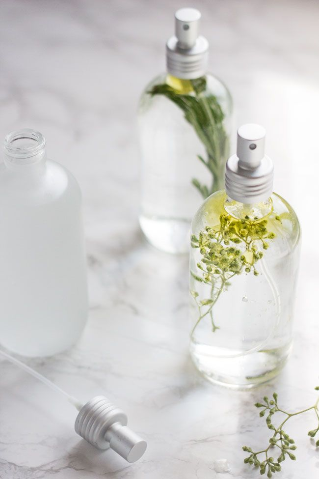 3 Mood-Boosting Room Sprays to Help Beat the Winter Blues | http://helloglow.co/mood-boosting-room-sprays/