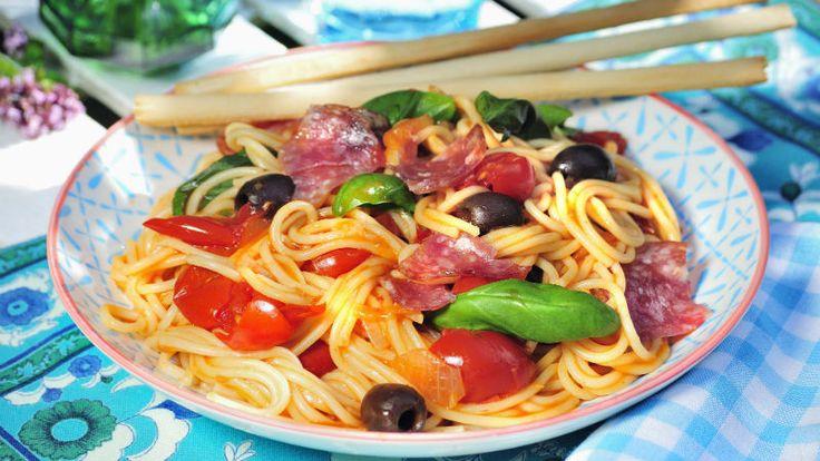 Snabb och supergod pasta med salami