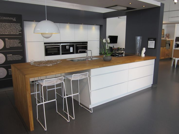 Kitchen // Cuisine // Kvik Wavre // Mano // White - Wood // Oak // Blanc - Bois // Chêne
