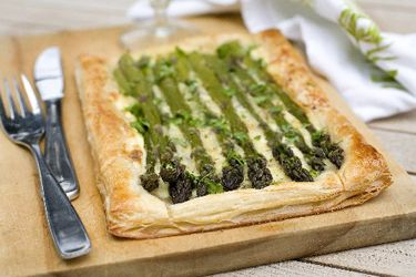 Asparagus tart with gruyere, quark and chervil