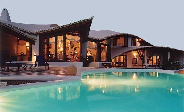 casa moderna con pscina muy linda
