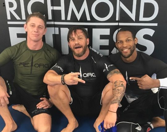 "Pic di ieri 07/09/2017 1."" Awesome Training with Sam Sherriff RMBJJ and Nathan Jones again today supporting REORG. Thankyou for a great session and love to the RMC family hoofing rolling with you thankyou again Sept 2017 RvN tommy ""  2. Nathan just hurts # #whysuperheromoviesalwayshurtthesedays 3. Good times great peoples Trent, Nathan and Sam 4.#notagain http://tomhardydotorg.tumblr.com/ #tomhardy #venom"