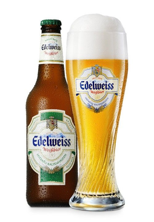 Cerveja Edelweiss Weissbier-Hefetrüb, estilo German Weizen, produzida por Hofbräu Kaltenhausen, Áustria. 5.5% ABV de álcool.