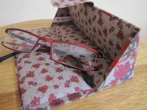 """Etui à lunettes façon """"Toblerone"""" - Le blog de Khofra"""